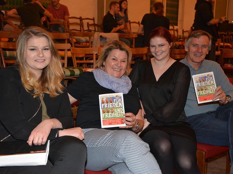 Glücklich über die gelungene Premiere: Familie Etzelstorfer.